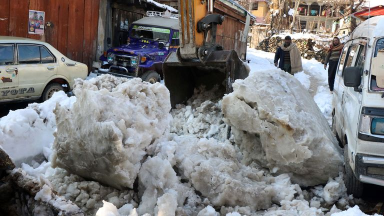 Avalanches in Kashmir, Pakistan, India and Afghanistan have left several dead