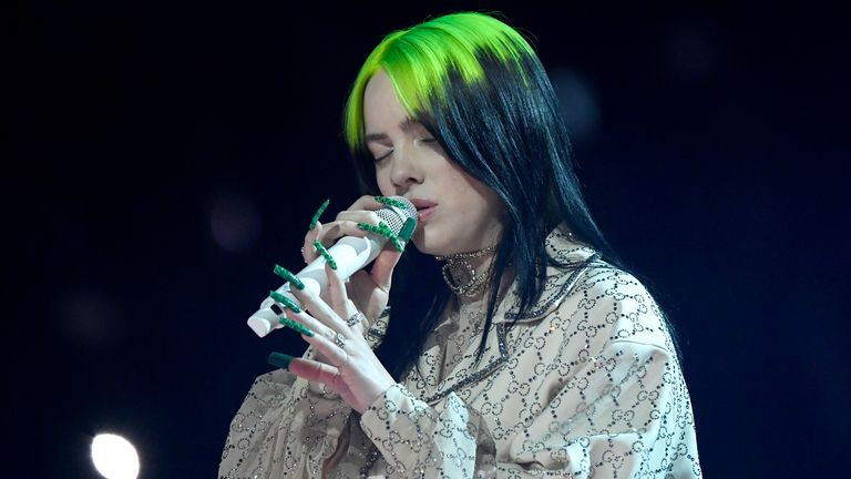 Billie Eilish performs at the Grammys 2020