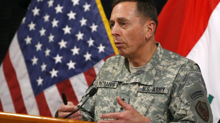 Davis Petraeus in 2007