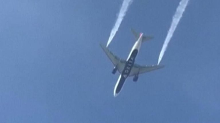 Plane makes emergency landing and jettisons fuel over school playground