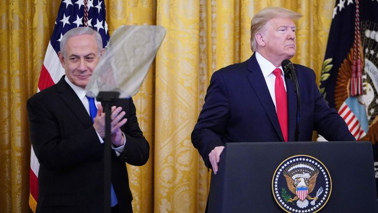 Mr Trump and Israel's Prime Minister Benjamin Netanyahu together for Mr Trump's announcement