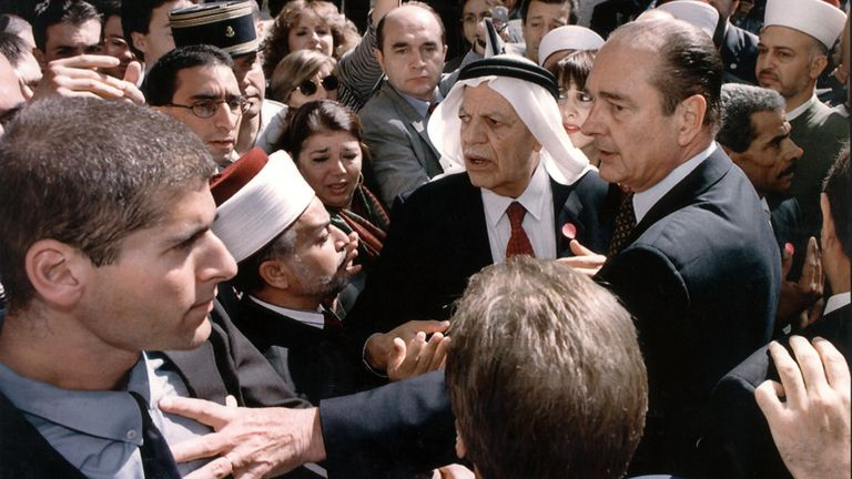 Former French president Jacques Chirac had a similar incident with Israeli security in 1996