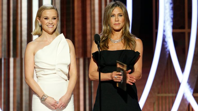 Reese Witherspoon and Jennifer Aniston made a statement on behalf of Russell Crowe at the Golden Globes