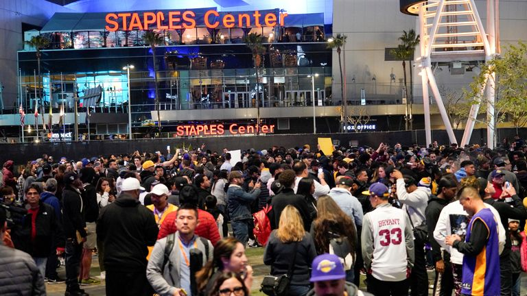 Fans pay their respects to Kobe Bryant outside the Staples Center in Los Angeles