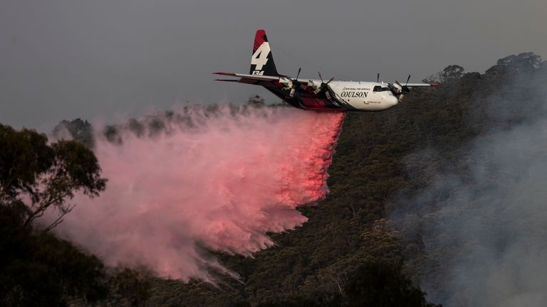 A water tanker plane has gone missing while fighting Australia bushfires. File pic