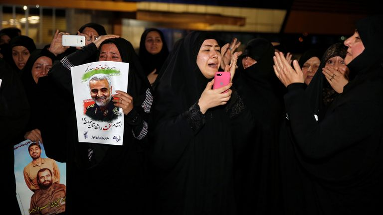 Iranians mourn the death of Qassem Soleimani