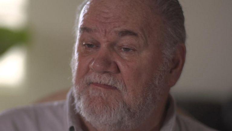 Thomas Markle has said wants to 'apologise to the Queen'