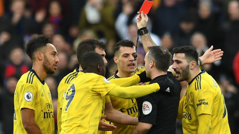 EPL: Referees to start using pitchside VAR monitors