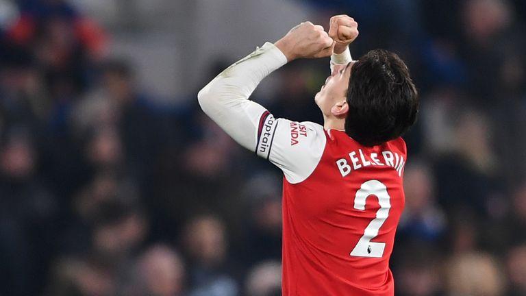 Hector Bellerin celebrates making it 2-2