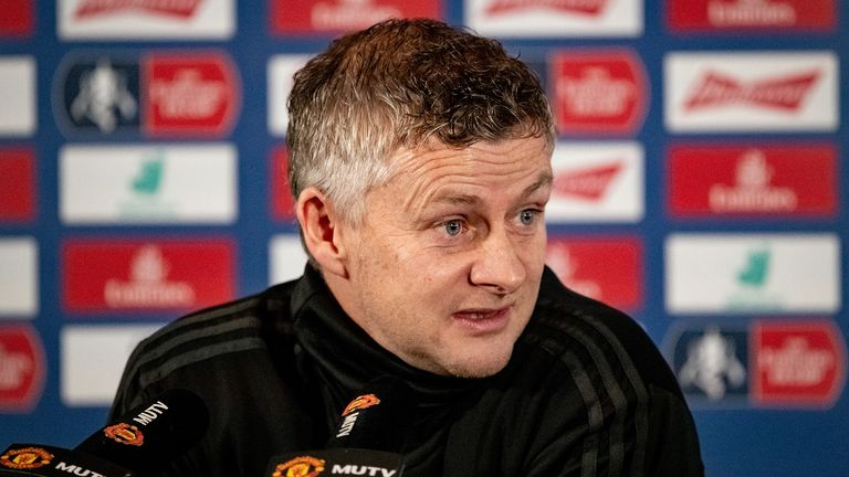Solskjaer hits back at Robin van Persie following his criticism