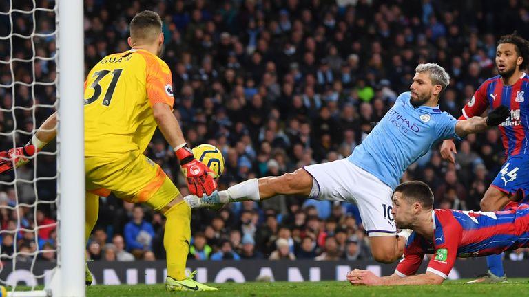Sergio Aguero equalises for Man City
