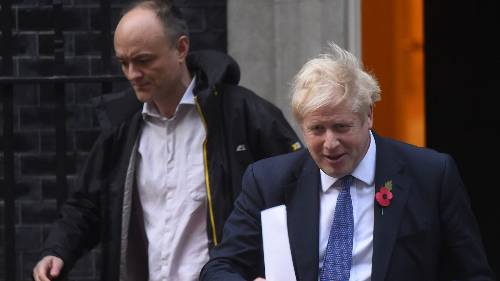 Scientific experts advising government criticise Boris Johnson after he backed Dominic Cummings