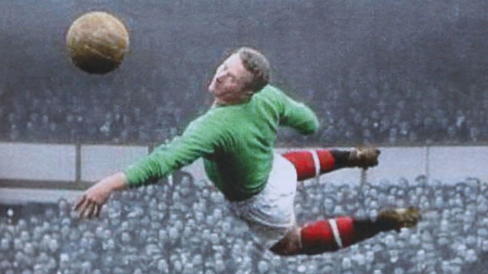Harry Gregg: Manchester United great is called a 'one off' at his funeral