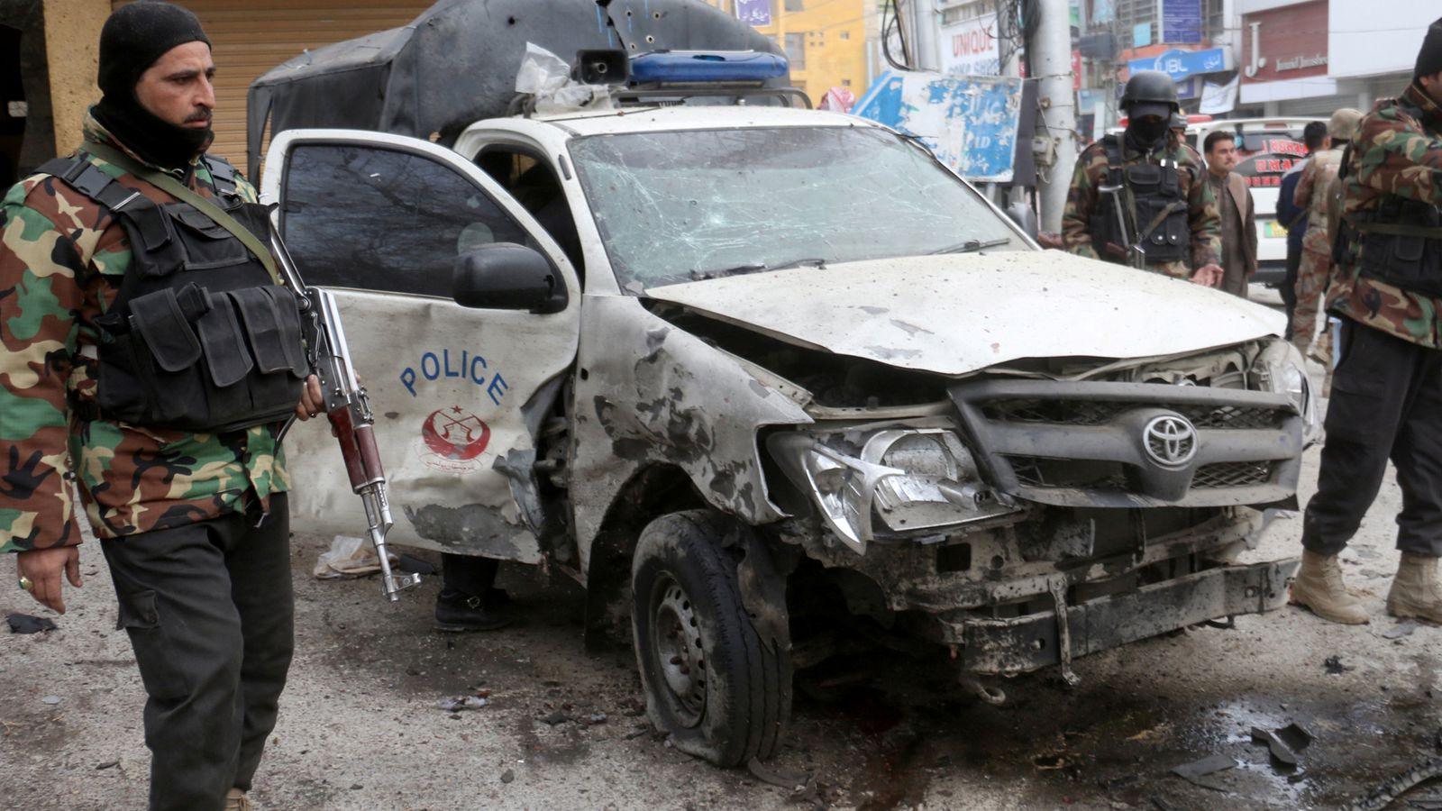 Pakistan: At least 10 killed in suicide bombing in Pakistan