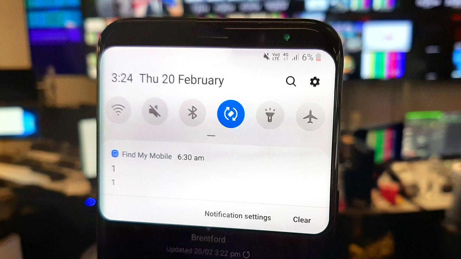 Samsung users 'freaked' by accidental overnight alert