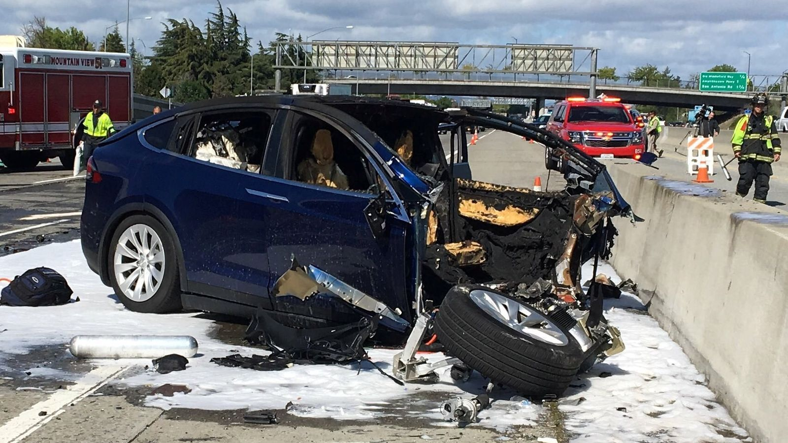 Tesla safety criticised after Autopilot crash