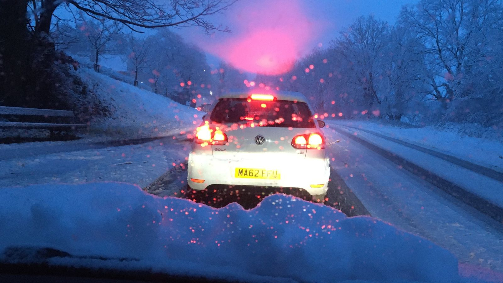 UK weather: Snow arrives in parts of northern England and Scotland