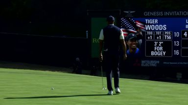 Woods' four-putt shocker!