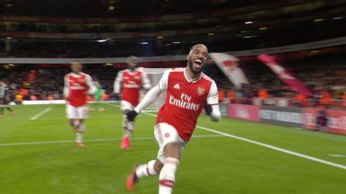 Lacazette fires a fourth past Newcastle! (90+5)