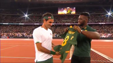 Kolisi gives Federer South Africa jersey