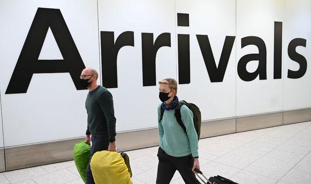 Coronavirus: UK's quarantine plans criticised by aviation industry