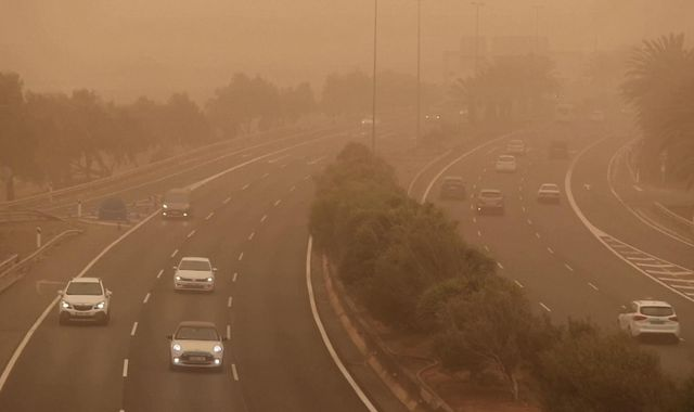Canary Islands blanketed by 'apocalyptic' sandstorm - grounding flights in and out