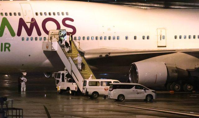 Coronavirus: British passengers on Diamond Princess cruise ship are on their way home