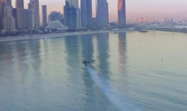 Jetman soars high above Dubai skyscrapers in breathtaking solo flight