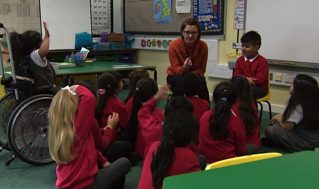 Call for all schools to teach sign language 'to make world more inclusive'