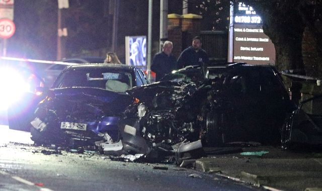 Romford: Man and woman killed in eight-vehicle crash