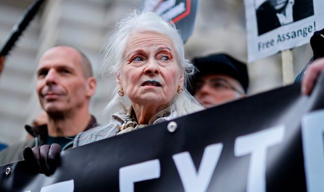 Julian Assange: Celebrities turn up to protest against proposed extradition to US