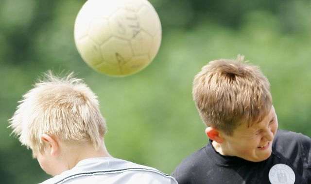 FA advises coaches not to train children in heading but denies blanket ban
