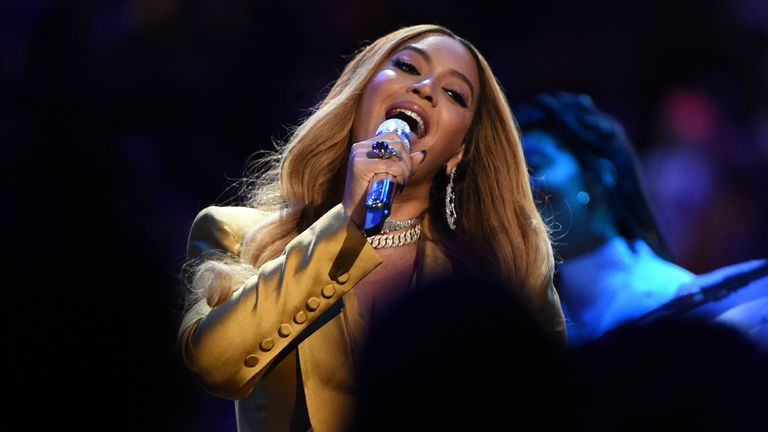 LOS ANGELES, CA - FEBRUARY 24: Singer, Beyonce performs during the Kobe Bryant Memorial Service on February 24, 2020 at STAPLES Center in Los Angeles, California. NOTE TO USER: User expressly acknowledges and agrees that, by downloading and/or using this Photograph, user is consenting to the terms and conditions of the Getty Images License Agreement. Mandatory Copyright Notice: Copyright 2020 NBAE (Photo by Andrew D. Bernstein/NBAE via Getty Images)