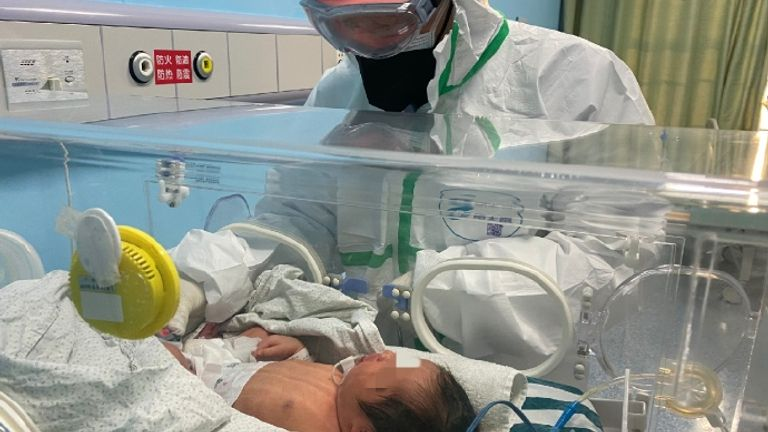 The baby was diagnosed with the coronavirus 30 hours after its birth. Pic: Weibo
