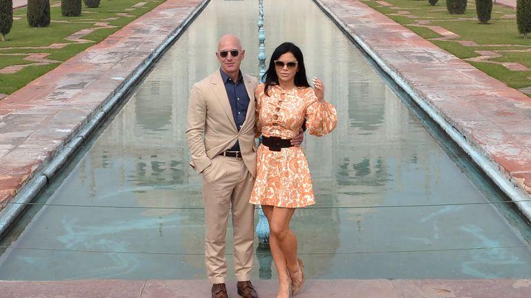 Jeff Bezos dhe e dashura e tij Lauren Sanchez besohet se kanë qenë në shtëpi për ca kohë në LA