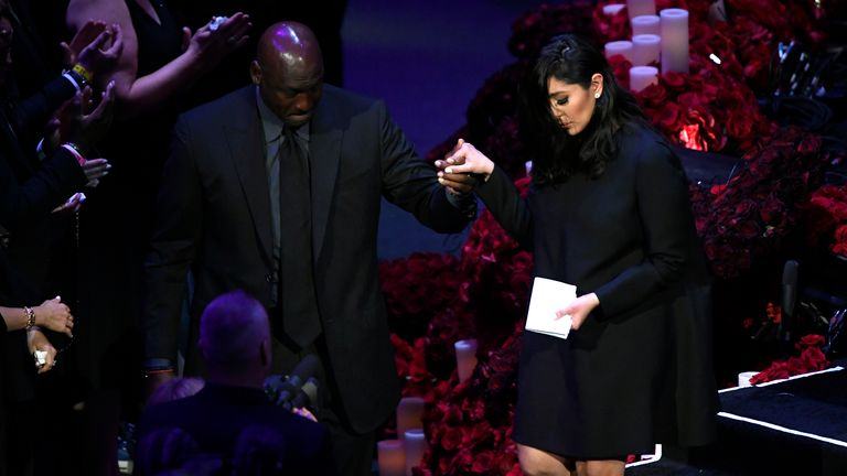 Michael Jordan helped Vanessa Bryant off the stage at the service