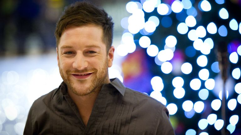 LONDON, ENGLAND - DECEMBER 16: X-Factor winner Matt Cardle performs at HMV at Whiteleys shopping centre on December 16, 2010 in London, England. (Photo by Ian Gavan/Getty Images)
