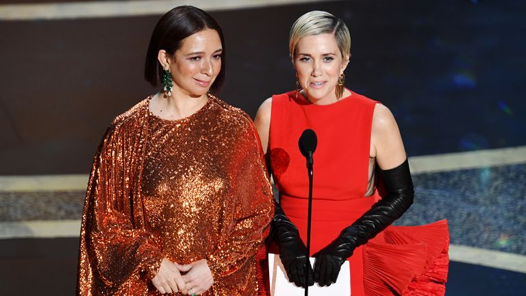 Maya Rudolph and Kristen Wiig at the Oscars
