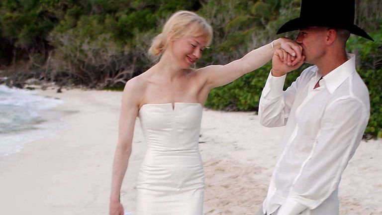 Renee Zellweger with her new husband Kenny Chesney just after their wedding in May 2005. Pic: Sipa/Shutterstock
