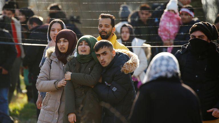Migrants walking between Pazarkule in Turkey and Kastanies in Greece
