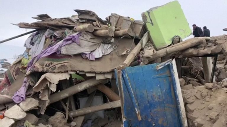 Devastation following quake in Turkey