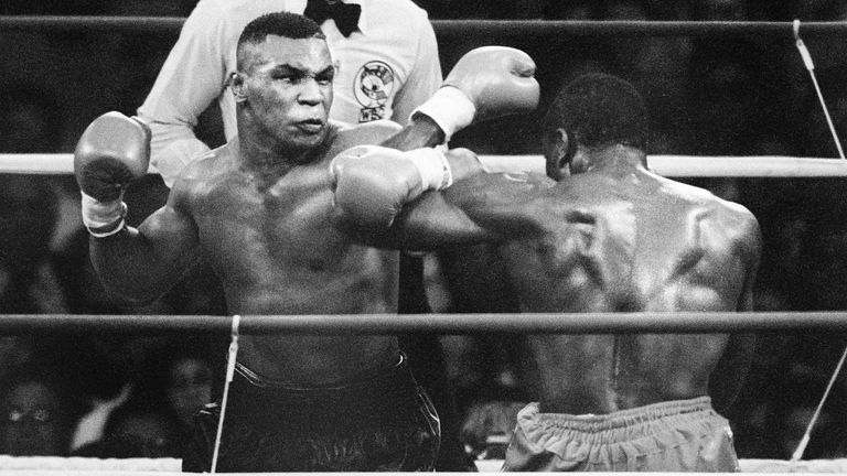 Mike Tyson beat Frank Bruno in 1989