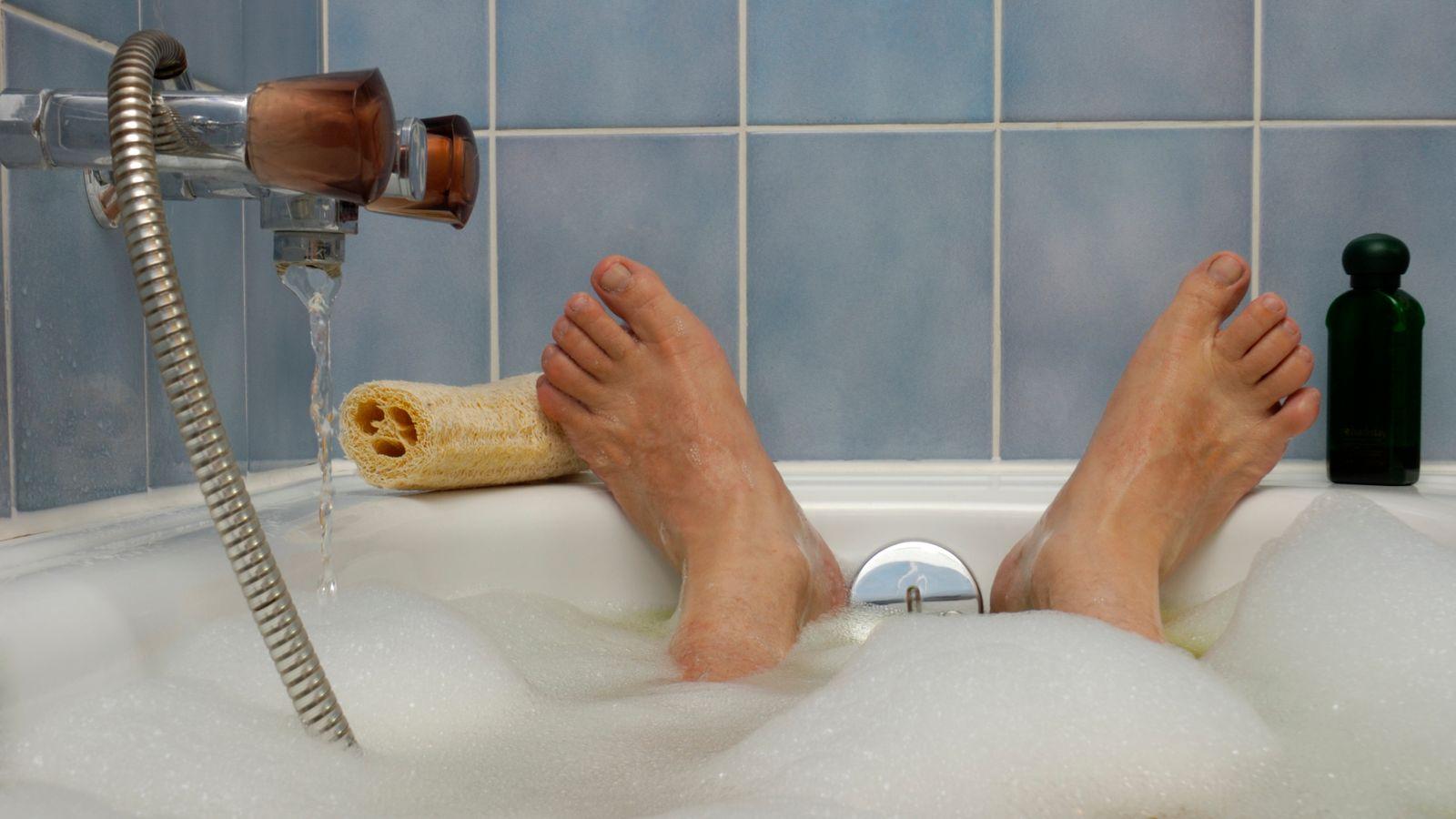 Daily soak in a hot bath cuts heart disease, research suggests