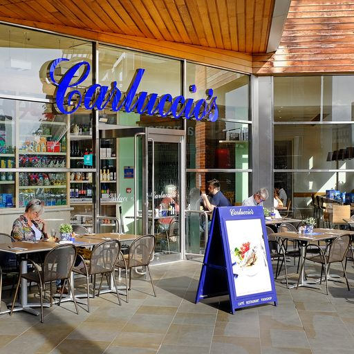 2,000 jobs at risk as Carluccio's lines up administrator