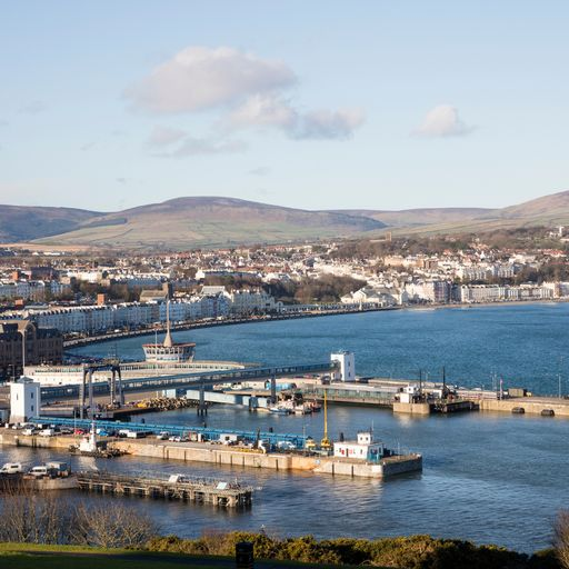 Man arrested for failing to self-isolate on the Isle of Man