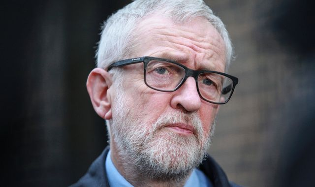 Coronavirus: Jeremy Corbyn slams 'ludicrous' lack of testing for NHS staff
