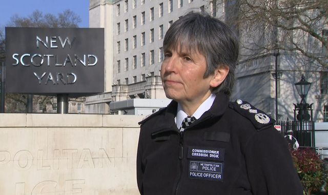 Coronavirus: Cressida Dick warns police will force non-compliant public to move on