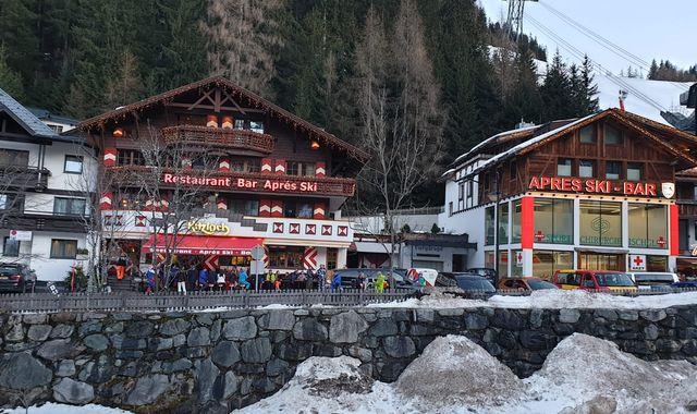 Coronavirus: 'Delay' in reporting patient at Austrian ski resort set to be investigated
