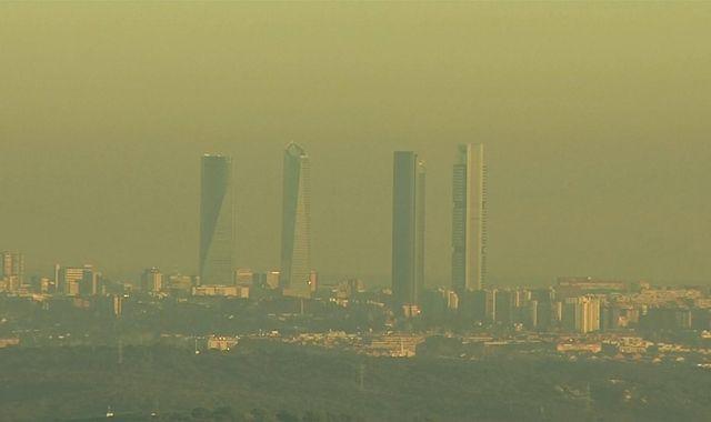 Coronavirus: Lockdowns cause drop in air pollution across Europe