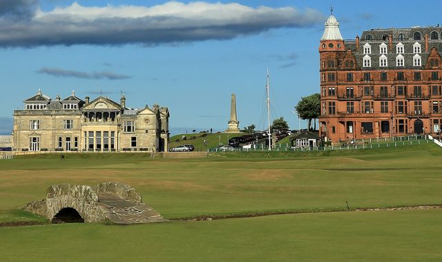 Coronavirus: Golf courses to close across UK after tight new measures